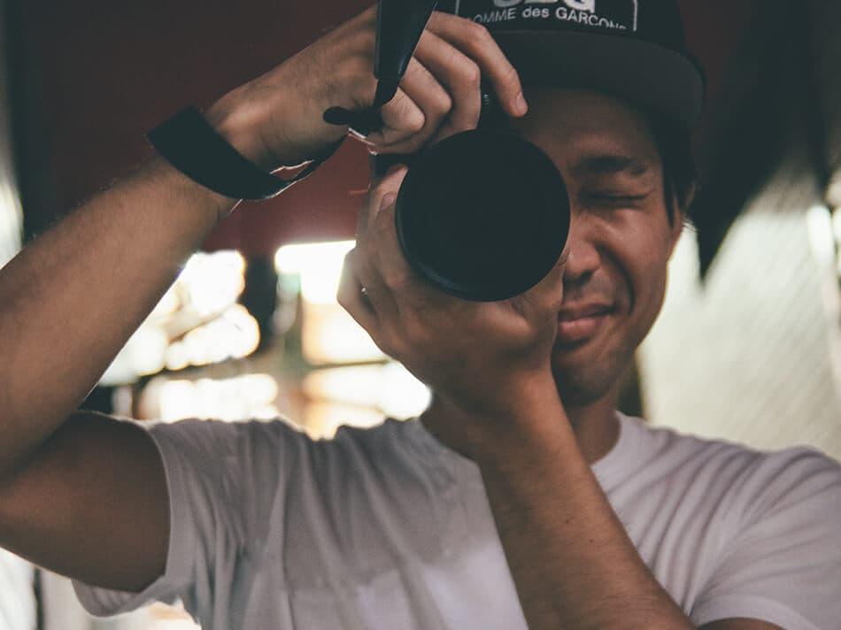 原口佳輔が写真を撮ろうとしている時の写真